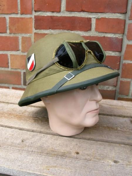 Tropenhelm Afrikakorps Wehrmacht DAK mit Brille