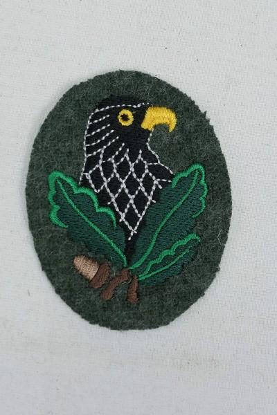 Scharfschützen Abzeichen gestickt auf grünem Tuch Ärmelabzeichen