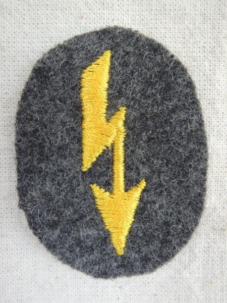 Wehrmacht Blitzmädchen Nachrichtenhelferin Funkerblitz für Schiffchen kleines Abzeichen