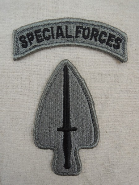 US ARMY Special Operations Command ACU Patch mit Special Forces Tab / Aufnäher
