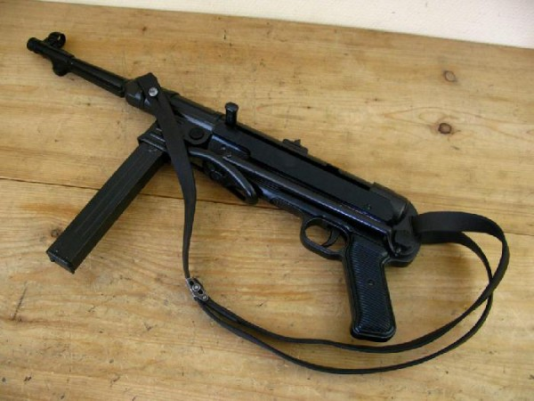 MP40 Maschinenpistole Wehrmacht Deko Modell Filmwaffe