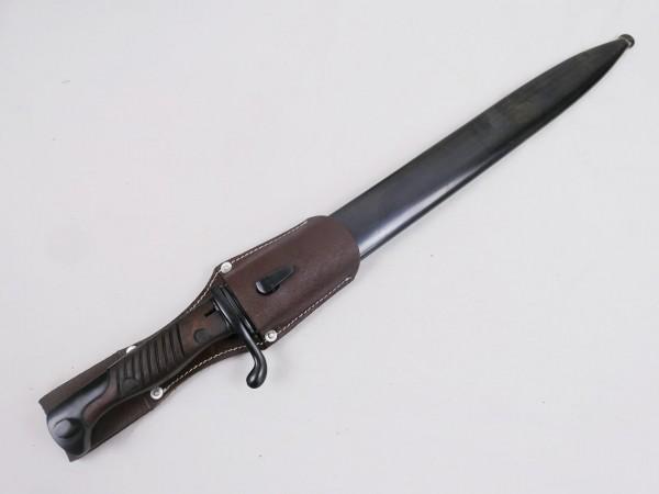 1.WK Bajonett für Gewehr 98 Mauser / Seitengewehr mit Scheide + Koppelschuh