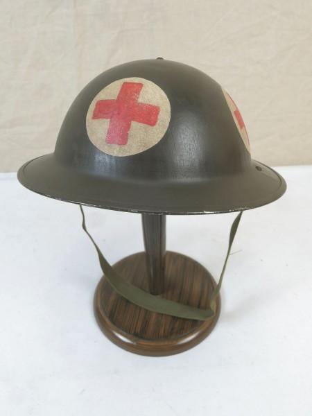 Typ WW2 Sanitäter Tellerhelm Britisch Stahlhelm Gr.59 mit Kinnriemen British Army