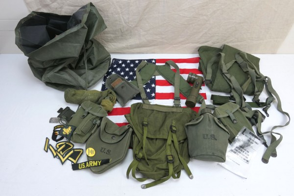 Typ M-1956 webbing US Army Vietnam Sturmgepäck - Pistol Belt Bags Pouches Cover Torch Patches