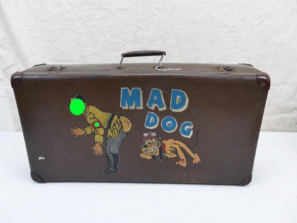 "US Nose Art Old School Vintage Tour Koffer antik Travel Suitcase Comic AH mit ""Mad Dog"""