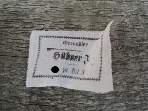 """Uniform / Mützen Etikett """"Grenadier Hübner F. XX- Panzer Batalion 3."""" Namensschild"""