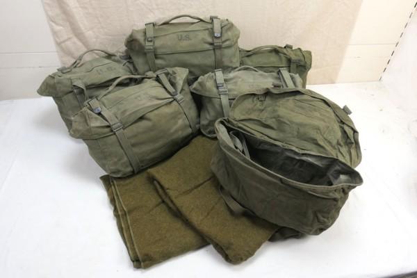 Original US Kampftasche Pack Field Cargo M-1945 mit US Wolldecke Wool virgin Blanket