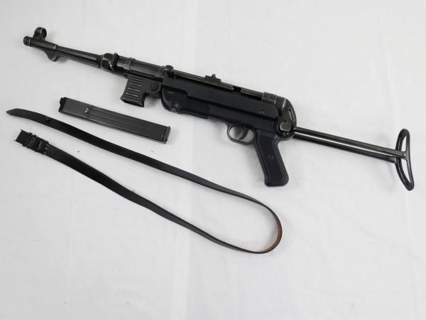 MP40 Maschinenpistole Wehrmacht Deko Modell Filmwaffe antik finish mit Tragegurt MP 40