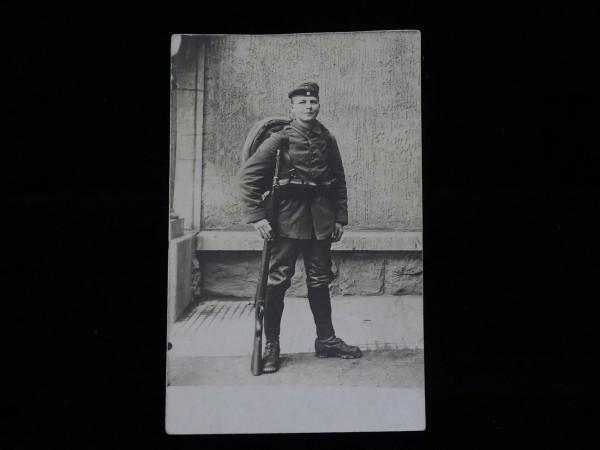 Wehrmacht Foto im Postkartenformat / junger Soldat