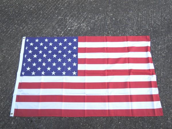 US Fahne flag 150 x 90 cm mit Metallösen zum Aufhängen