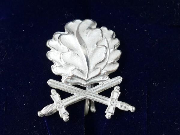 L/21 Eichenlaub in 800er Silber mit Schwertern zum Ritterkreuz des Eisernen Kreuzes 1939 RK