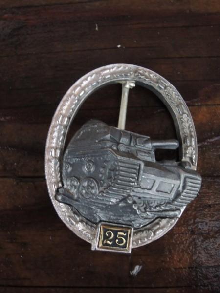 """Panzerkampfabzeichen mit Einsatzzahl 25 """"silber"""""""