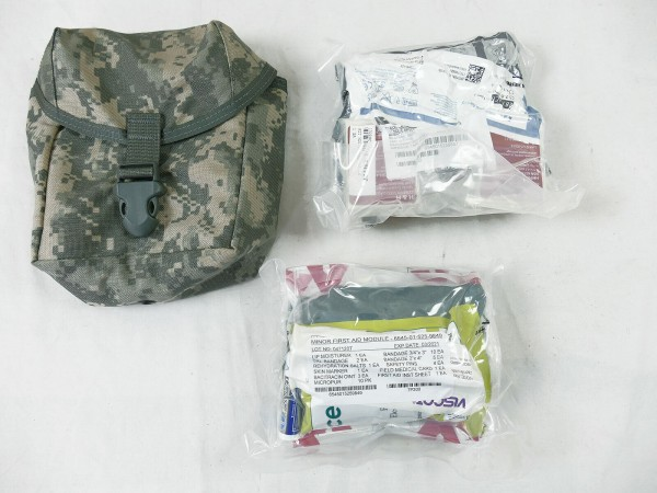 US ARMY MOLLE II IFAK POUCH FIRST AID KIT Medic IFAK mit Verbandmaterial