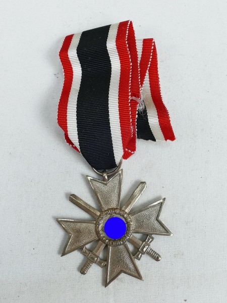 Wehrmacht Kriegsverdienstkreuzes KVK mit Schwertern Silber 2.Klasse am Band