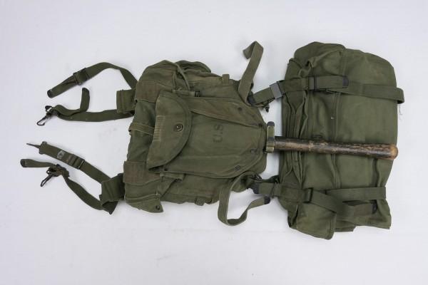 US Army Korea Sturmgepäck Ausrüstung Gepäck - Field Packs Spaten