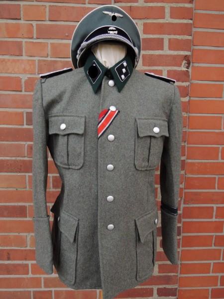 Beispiel für eine Elite Uniform nach Vorlage / Drehbuch / Filmrequisite Elite