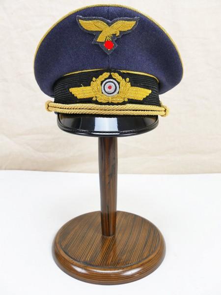 Luftwaffen Schirmmütze General Gr.59 mit handgestickten Effekten