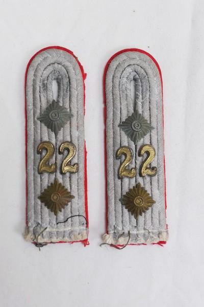 1x Paar Wehrmacht Schulterklappen Hauptmann Artillerie Regiment 22