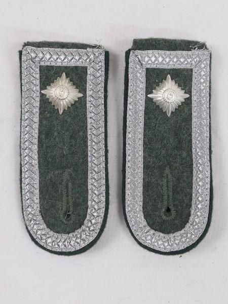 1x Paar Wehrmacht Schulterstücke Feldwebel M40 Schulterklappen mit Dienstgradstern