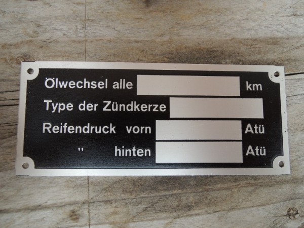 Fahrzeugschild Typenschild