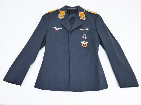 Luftwaffen Uniform Fliegerbluse für einen Offizier (Hptm.) der Flieger aus Filmfundus