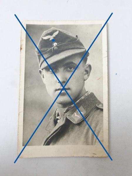 Luftwaffe Portrait Foto eines Soldaten / Fliegers mit Fliegerbluse , rückseitige Widmung 8.7 x 13.7