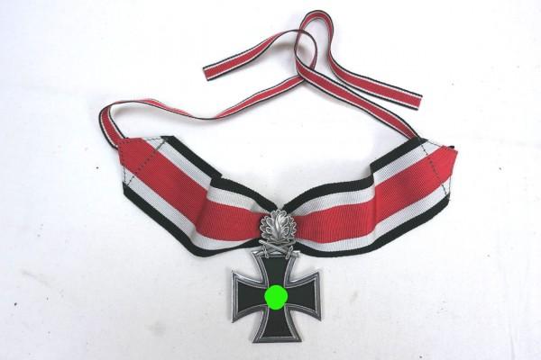 Wehrmacht Ritterkreuz mit Eichenlaub am Band