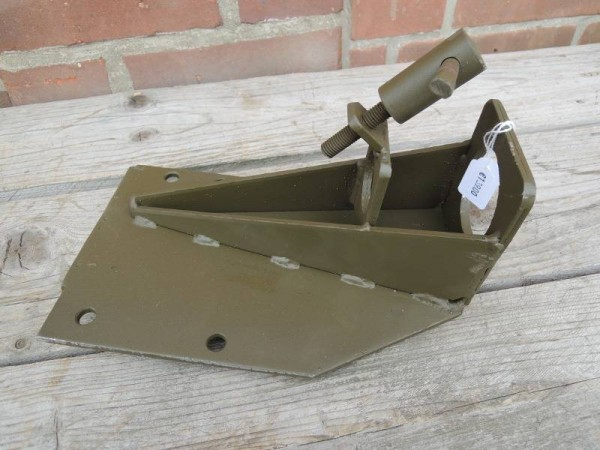 US Army Jeep M48 Dashboard-Mounting für Browning MG
