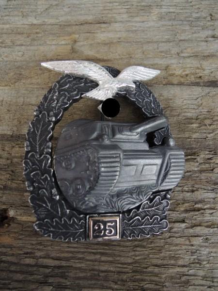 """Panzerkampfabzeichen """"bronze"""" mit Einsatzzahl 25 Luftwaffe"""