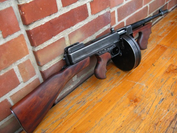US Army Thompson M1928 antik Deko Modell Filmwaffe