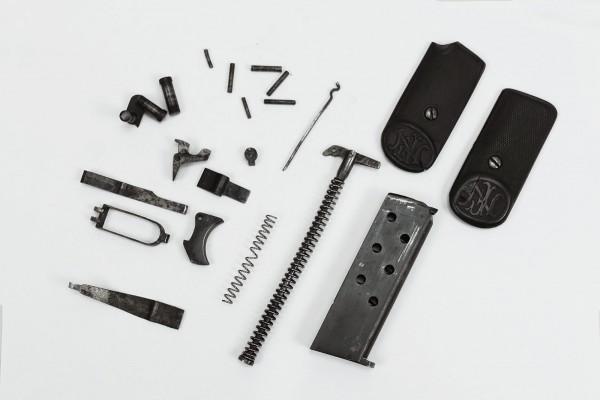 Pistol FN 7,65mm Browning Magazin Griffschale freie Waffenteile Einzelteile Spare Parts US Army
