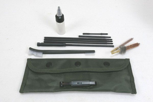 US Putzzeug Vietnam CAL.5.56 M16 Putzstab Bürsten Ölflasche in Tasche Oliv
