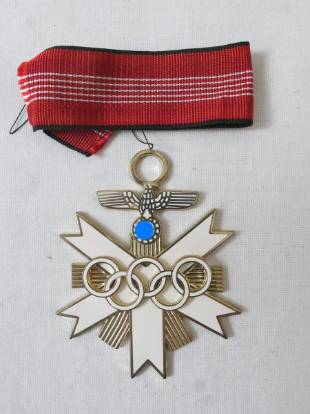 Deutsches Olympia Ehrenzeichen 1936 2. Klasse am Band