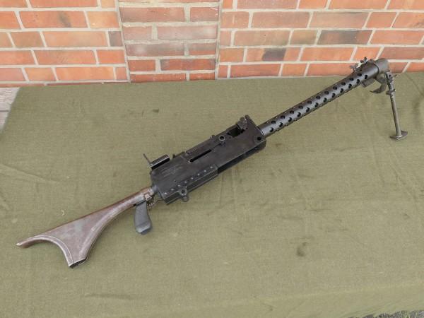 Maschinengewehr MG US Browning M1919A4 Cal .30 mit Schulterstütze und Zweibein
