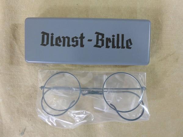 Wehrmacht Dienstbrille mit Etui / Behälter