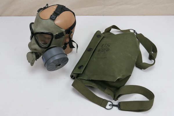 US Army M9 Gasmask + Bag / Gasmaske in gummierter Gasmaskentasche Tasche