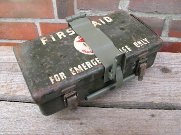First Aid Kit Box Halter für Fahrzeug Verbandkasten Willy´s Jeep Hotchkiss Ford GPW