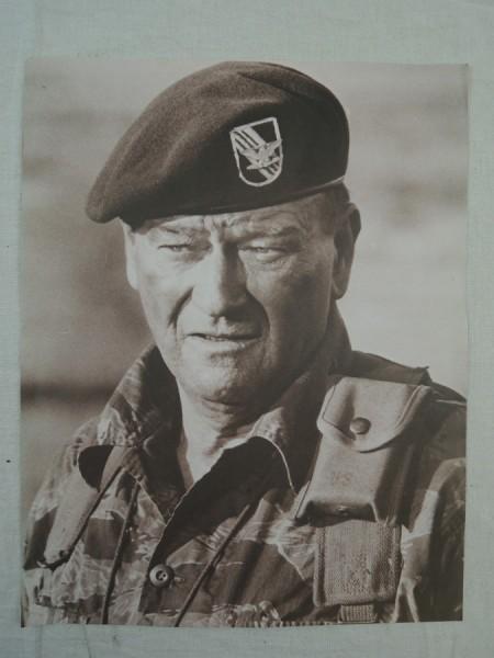 Bild Plakat Poster John Wayne im Tiger Stripe Anzug Special Forces Viet Nam