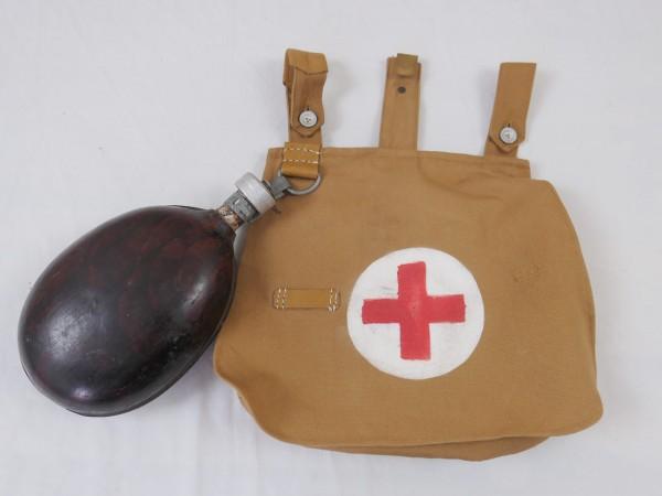WK1 Sanitäter Brotbeutel mit Feldflasche / Rotkreuz