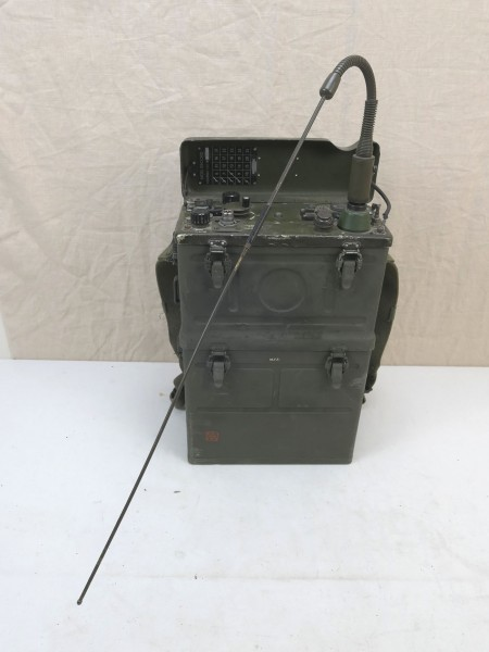 US Army WW2 Signal Corps FUNKGERÄT BC-1000 RADIO RECEIVER and Transmitter + Antenne + Tragevorrichtu