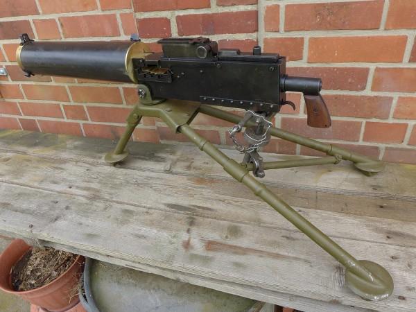 US Browning M1917 Cal .30 wassergekühlt mit Mount Tripod M2 Dreibein Erd Lafette