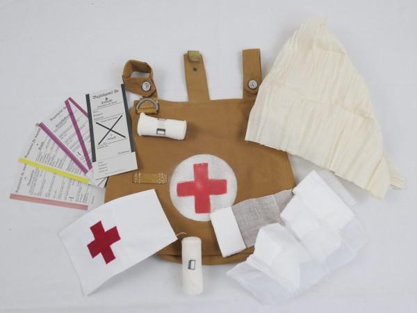 WK1 Sanitäter Ausrüstungs Set in Tasche Umhängetasche Rot Kreuz Armbinde Verbandszeug Begleitzettel-