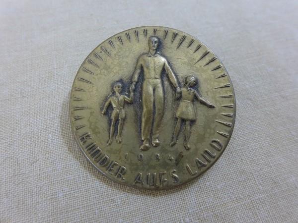 Blechabzeichen WHW 1934 Kinder aufs Land Abzeichen